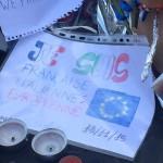 Davanti all'ambasciata francese