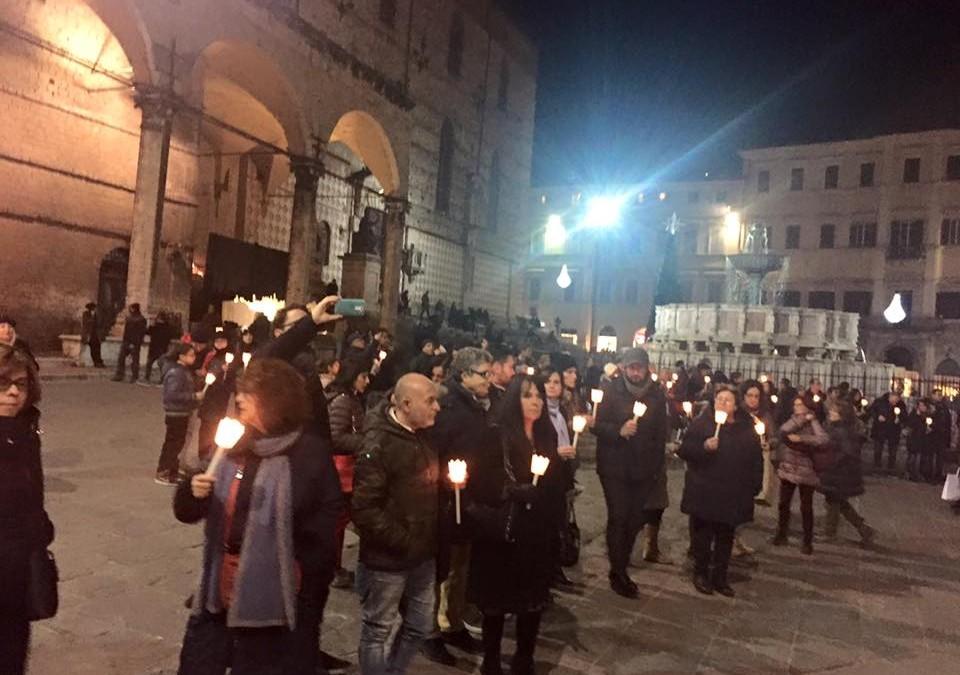 La marcia silenziosa per ricordare le donne vittime di violenza