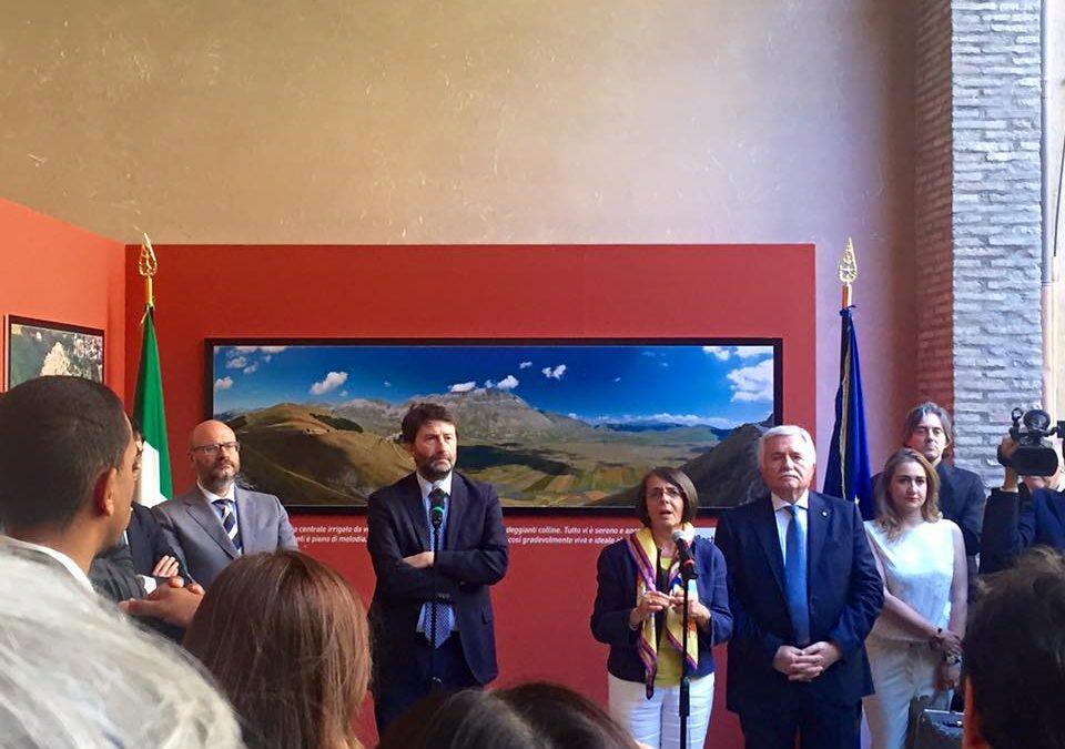 """Inaugurazione della mostra """"In volo sull'Umbria"""""""